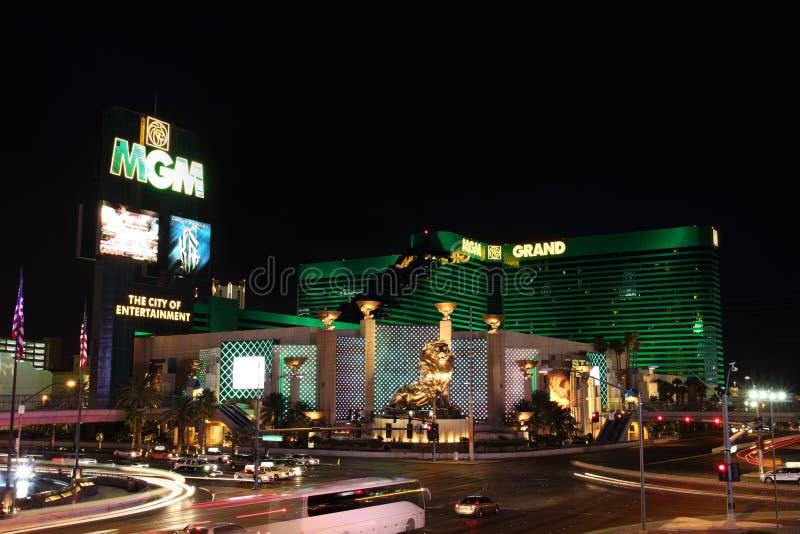 Hotel di MGM nella striscia di Las Vegas alla notte fotografia stock libera da diritti