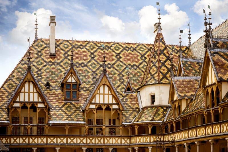 Hotel-Dieu ou os hospícios do hospital histórico de Beaune, em Beaune, Borgonha, França fotos de stock