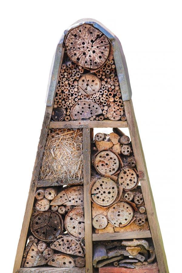 Hotel do inseto com abrigos naturais de madeira fotos de stock