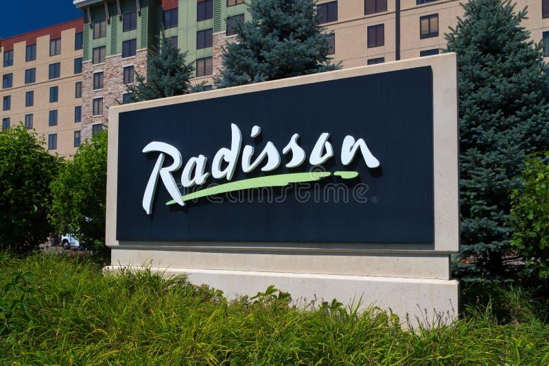 Hotel e segno di Radisson immagine stock libera da diritti