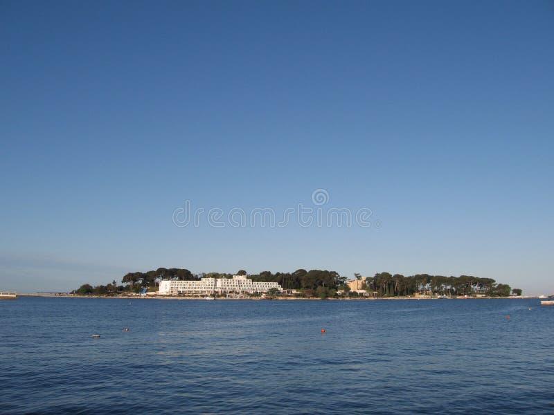 Hotel en la isla imagen de archivo