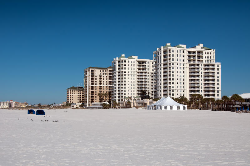 Hotel en la playa de Clearwater foto de archivo