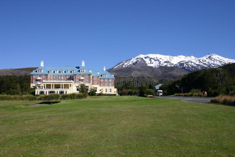 Hotel en las montañas imagen de archivo libre de regalías