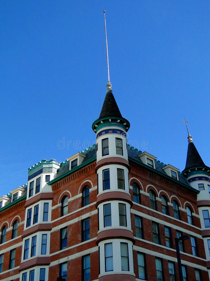 Hotel francês do estilo do castelo fotografia de stock royalty free