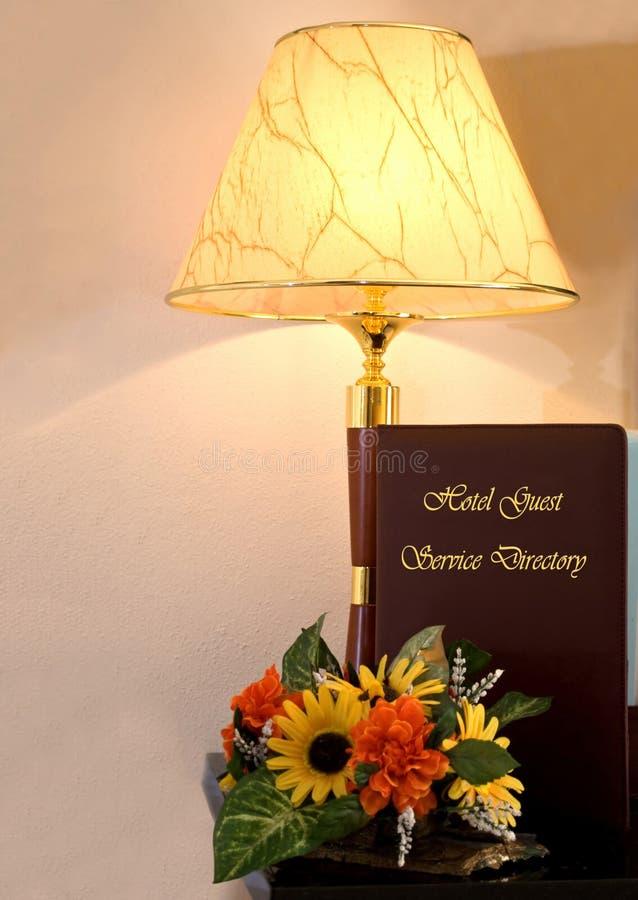 Hotel Guestbook en Lamp royalty-vrije stock afbeeldingen