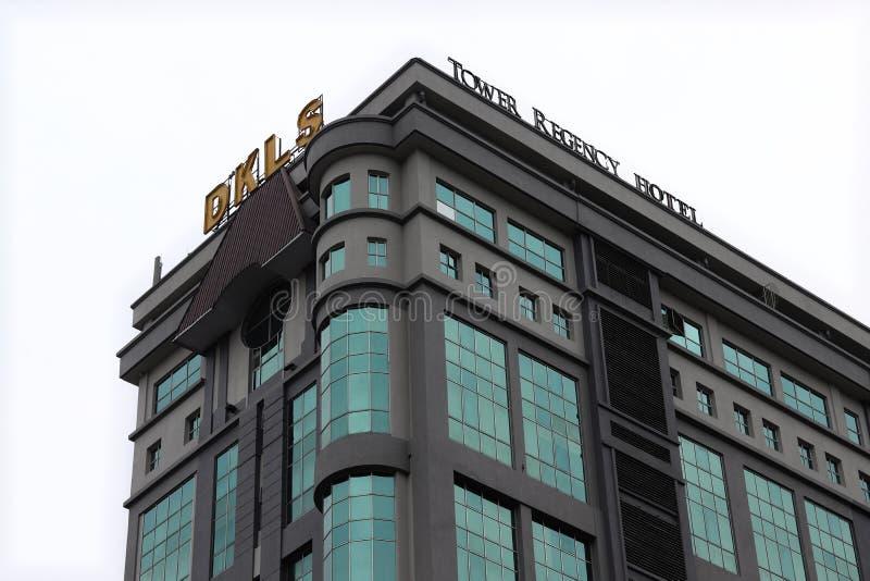 Hotel Ipoh da regência da torre em um dia nebuloso imagens de stock