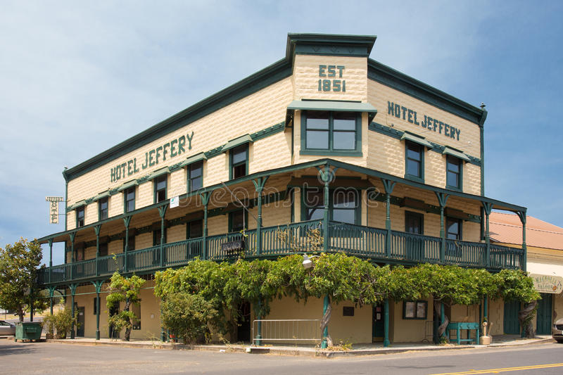 Hotel Jeffery Coulterville CA. COULTERVILLE, CA - AUGUST 2, 2016: Landmark Hotel Jeffery view from street in historic Coulterville California stock photos