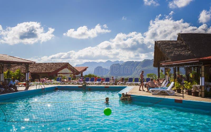 Hotel-La Ermita, Swimmingpool in Vinales, UNESCO, Pinar del Rio Province stockbild