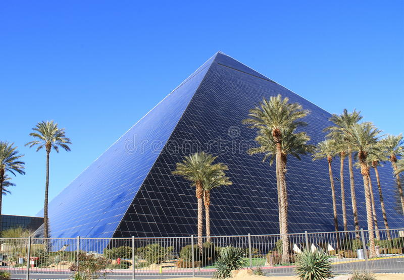 Download USA, Nevada/Las Vegas: Hotel Luxor Editorial Photo - Image: 28864826
