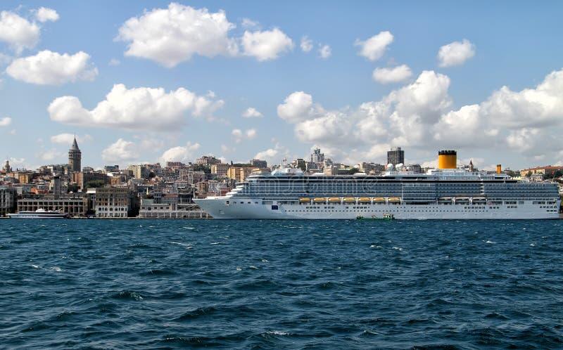 Hotel móvil gigante en Estambul imagen de archivo