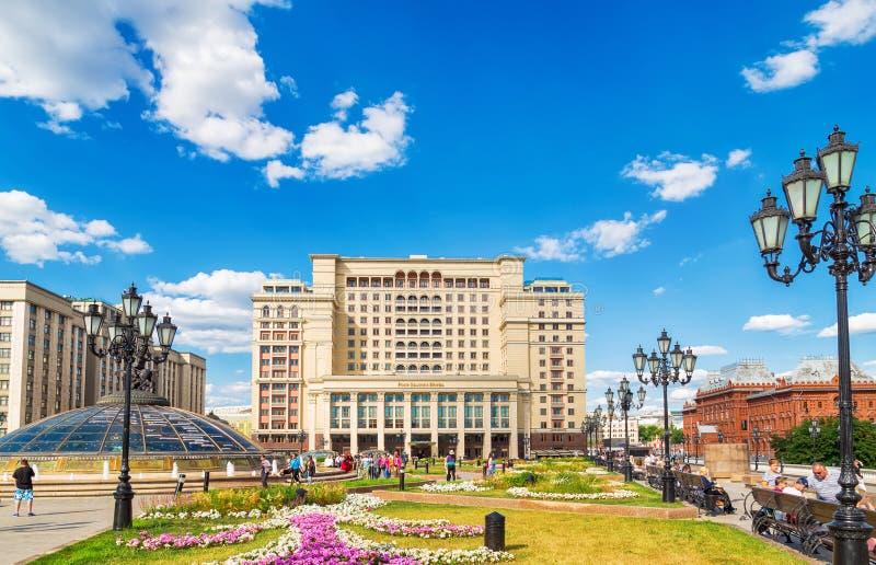 Hotel Moscou no quadrado de Manezhnaya, Moscou central de Four Seasons, Rússia imagens de stock royalty free