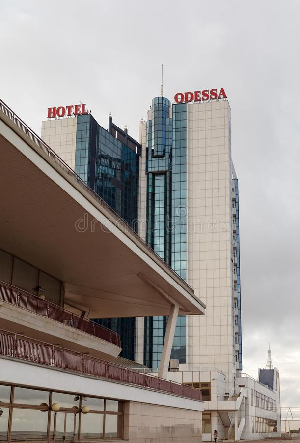 Hotel Odessa en puerto marítimo del pasajero en Odessa, Ucrania fotografía de archivo