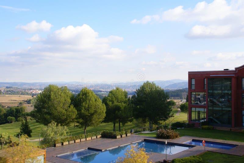 Hotel perto de Montserrat imagens de stock