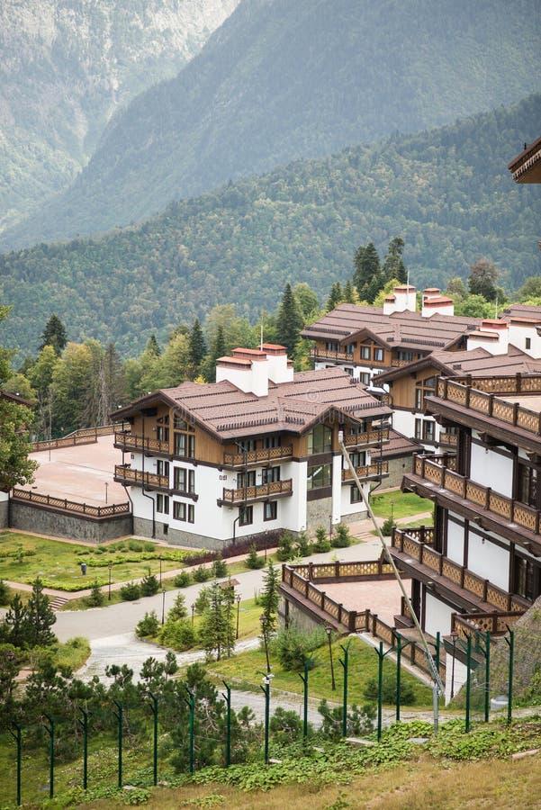 Hotel Polyana Hotel&Spa 1389 Cottage alla montagna Ski Resort Estate fotografia stock libera da diritti