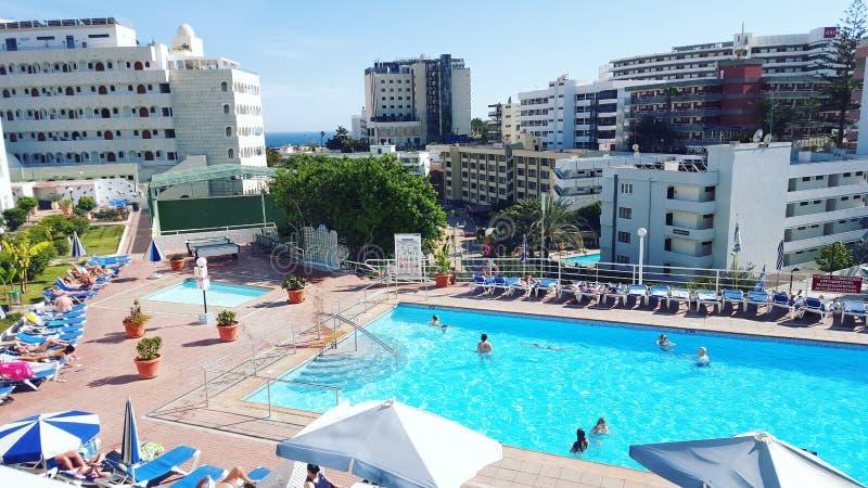 Hotel pool playa del ingles foto de archivo