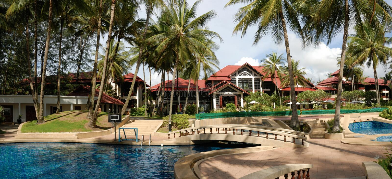 Hotel Poolside Thai Architecture Royalty Free Stock Images