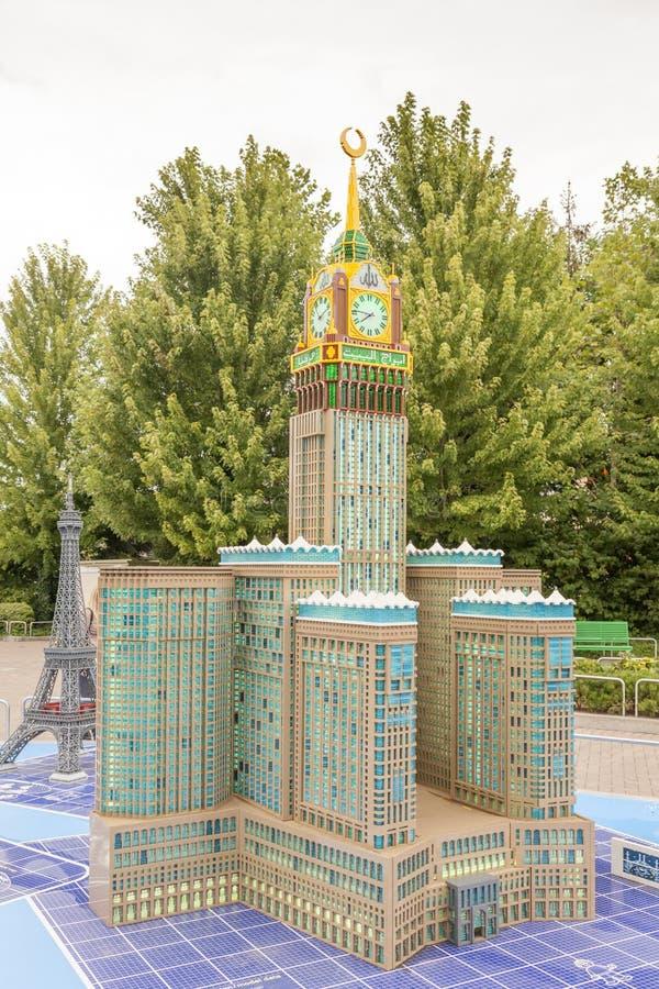 Hotel real da torre de pulso de disparo de Makkah em Legoland Alemanha fotos de stock royalty free