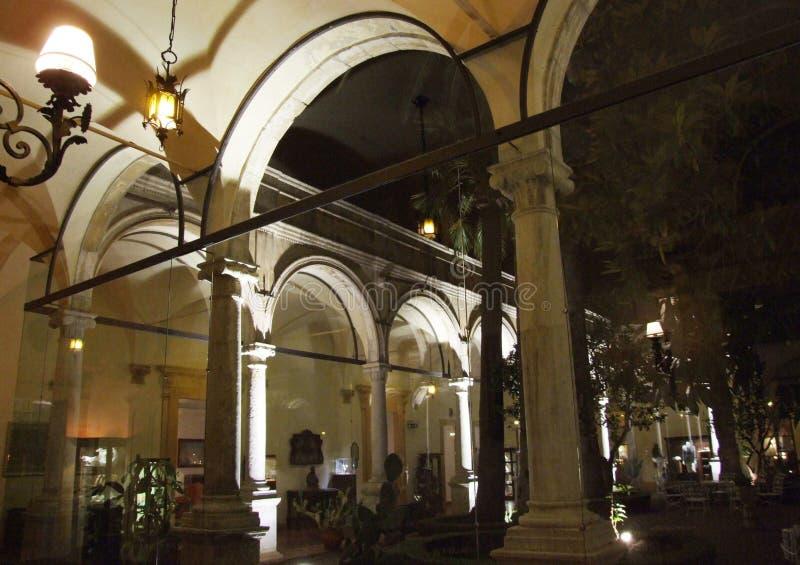 Hotel San Domenico-Taormina-Sicilien-Italien - Creative Commons av gnuckx royaltyfri fotografi