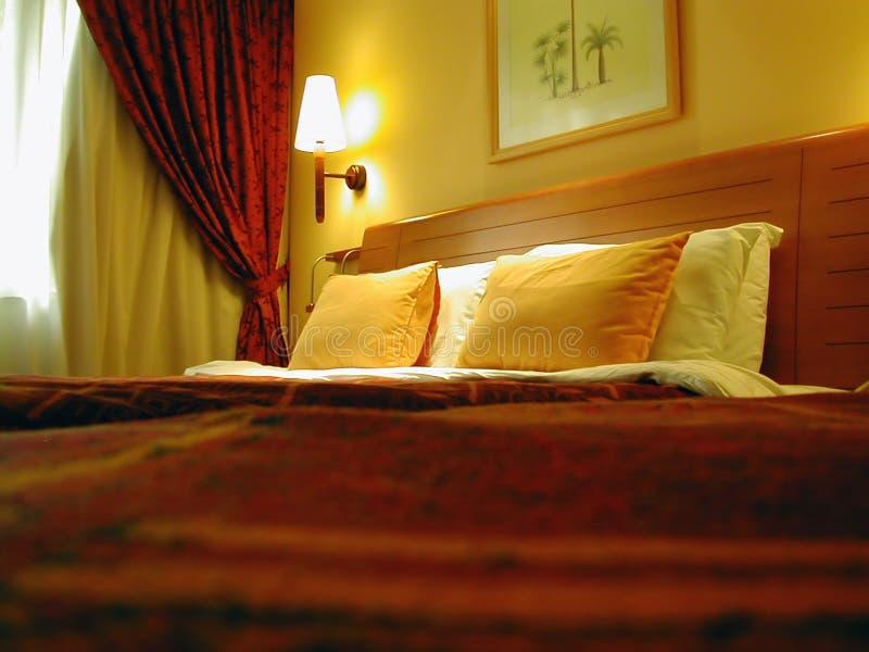 Hotel-Schlafzimmer stockbild