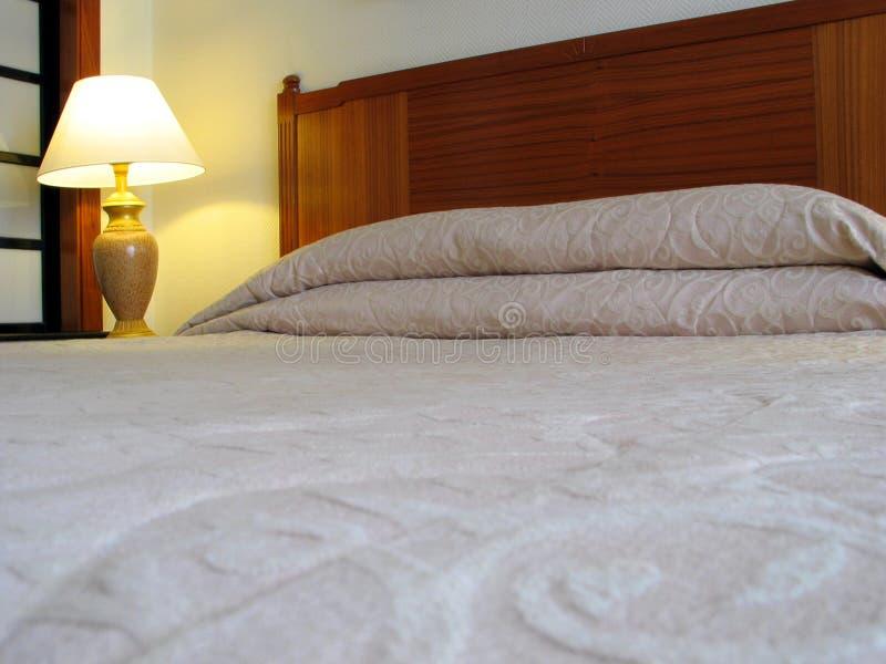 Download Hotel-Schlafzimmer stockfoto. Bild von rücksortierung, rest - 47382