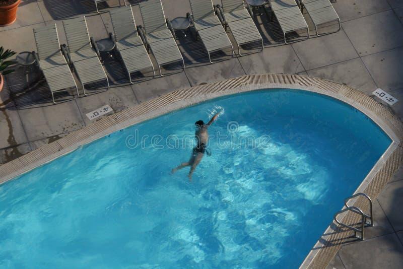 Hotel-Schwimmer stockfoto