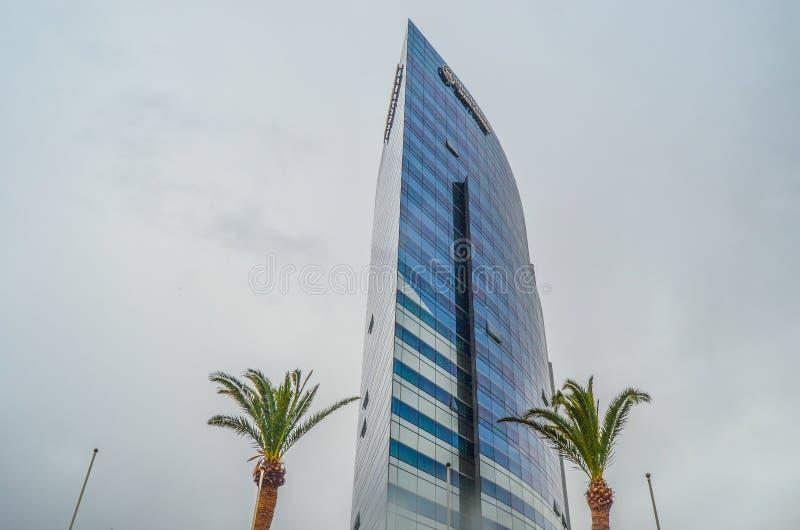 Hotel sheraton Oran und Palme stockbild