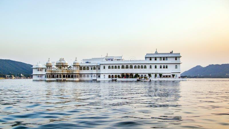 Hotel Taj Lake Palace in Udaipur fotografia stock libera da diritti