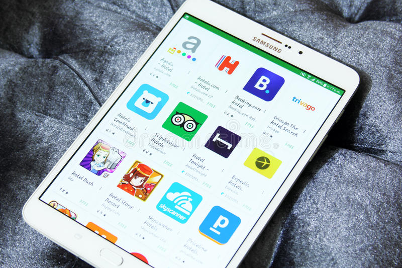 Hotelanmeldung apps auf Google-Spiel lizenzfreie stockfotografie