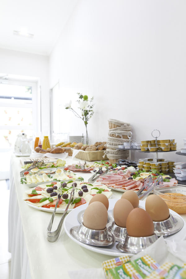 Hotelfrühstück lizenzfreie stockfotografie