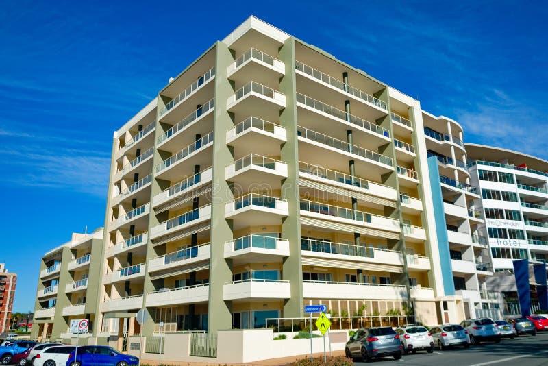 Hotelgebäude am Hafen Macquarie in Australien lizenzfreie stockbilder