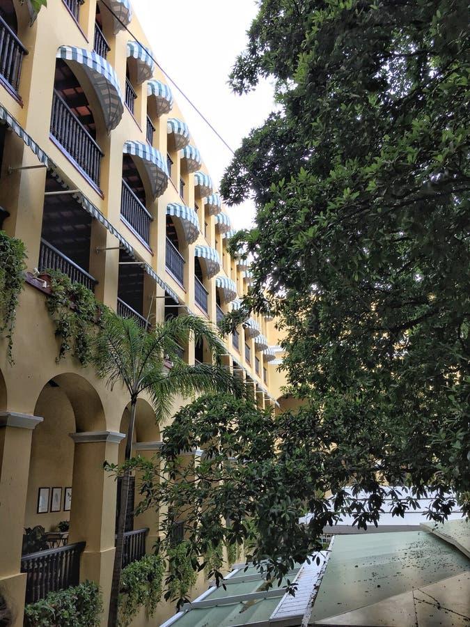 Hotelhof lizenzfreie stockfotografie