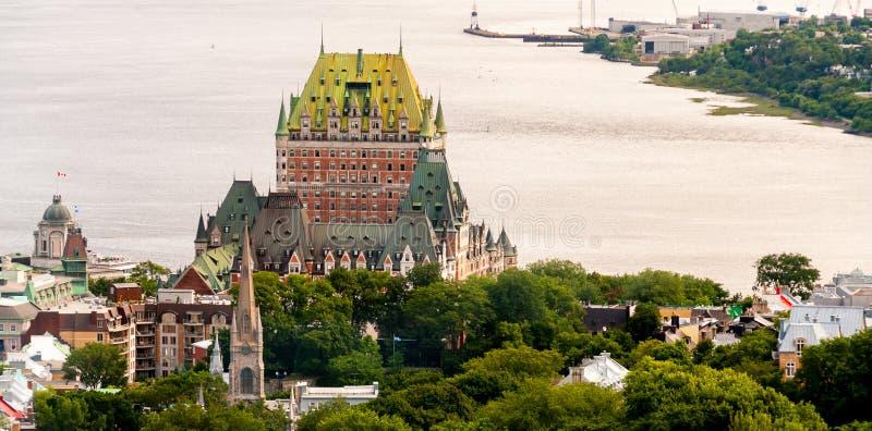 Hotell de Frontenac Härlig sikt av den Quebec City slotten arkivbild