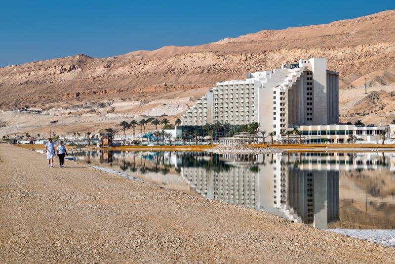 Hotell Leonardo Club israel Treesf?lt och snow royaltyfri fotografi