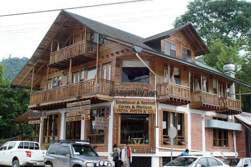 Hotell och restaurang i Mindo, Ecuador royaltyfria foton