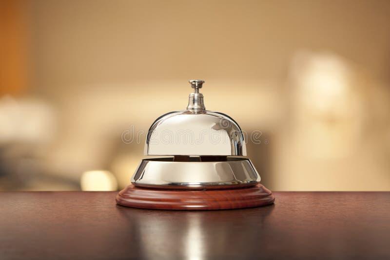 Hotell skrivbord, klocka, räknare, gästfrihet, lopp, affär, recep royaltyfri bild