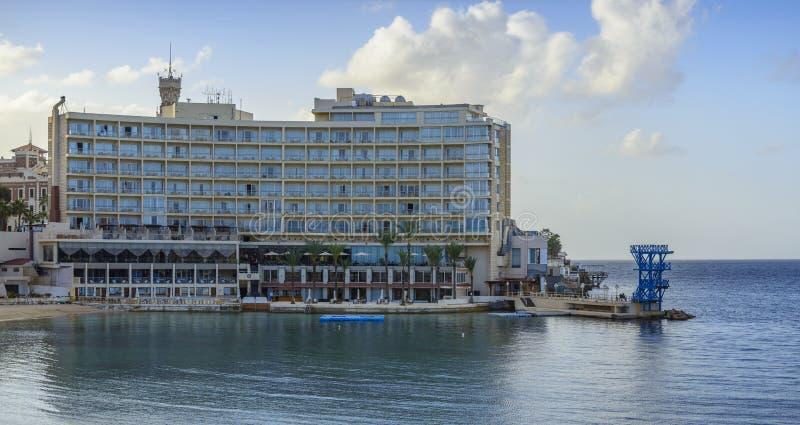 Hotell vid vatten arkivfoto