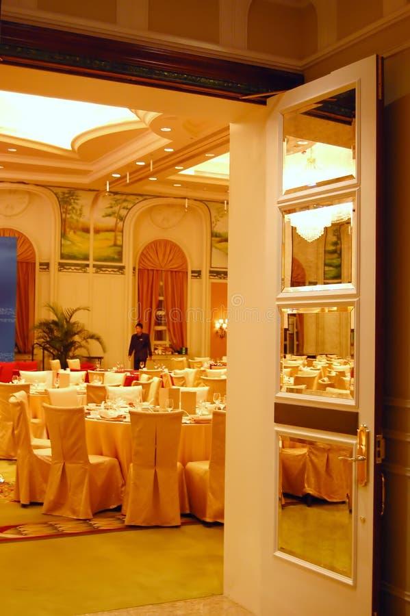 hotelllyxrestaurang royaltyfri bild