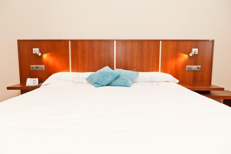 Hotelowa sypialnia zdjęcie royalty free