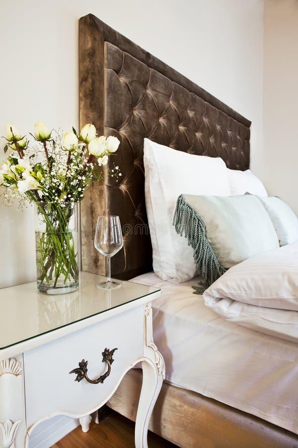 Hotelowy łóżko fotografia royalty free
