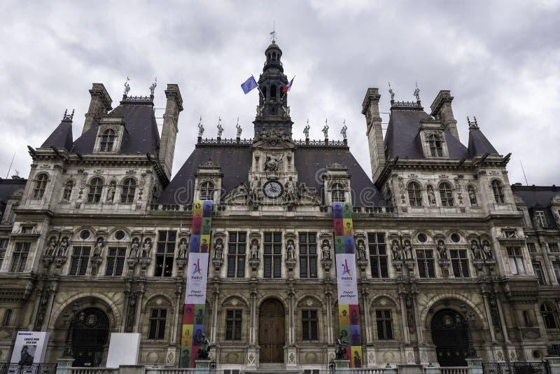 Hotelowy De Ville lub Paryski urząd miasta w Paryż, Francja Wrzesień 2017 obraz royalty free