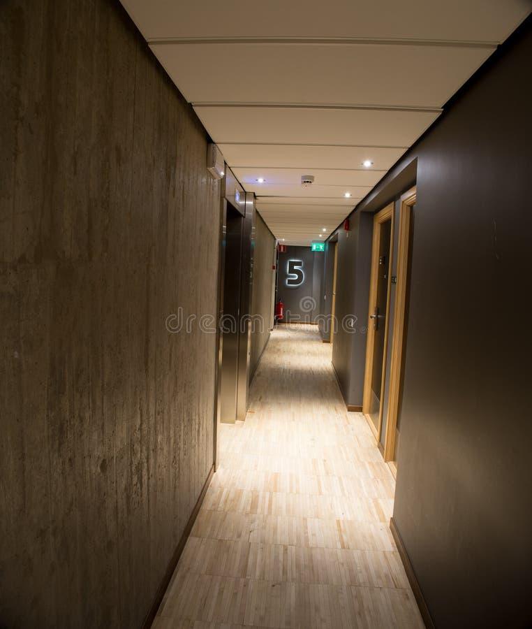 Hotelowy korytarza wnętrze obraz royalty free