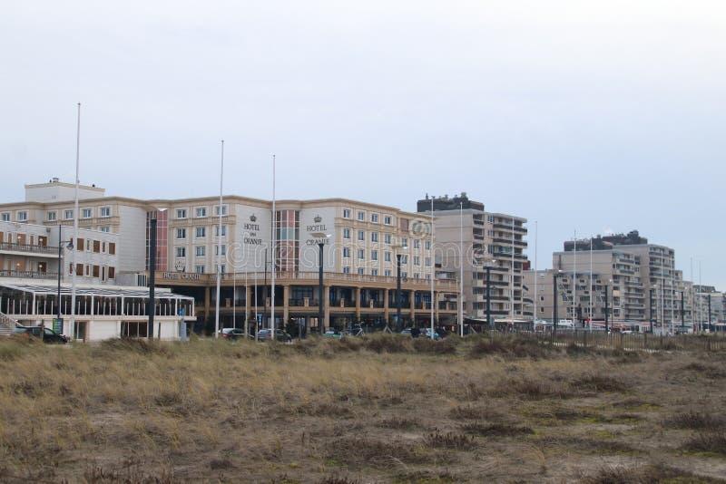 Hotelowy Samochód dostawczy Oranje, hotel pomarańcze jako wysokiego społeczeństwa miejsce przy nadmorski w Noordwij fotografia royalty free