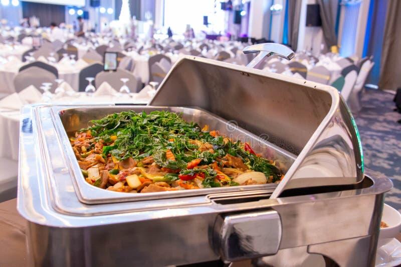 Hotelrestaurantnahrungsmittelcatering-Buffetbankett für die Heirat stockbilder
