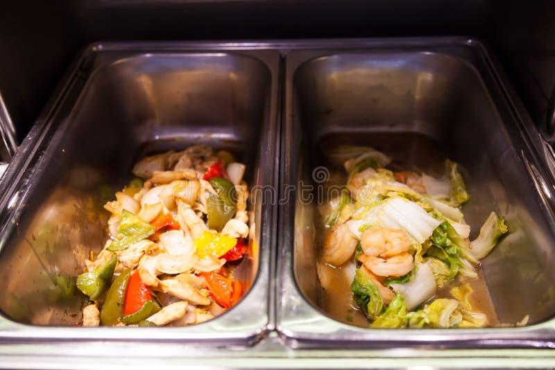 Hotelrestaurantnahrungsmittelcatering-Buffetbankett für Hochzeitszeremonie, Seminar, Sitzung, Konferenz, Parteiereignis Misch geb lizenzfreie stockfotos