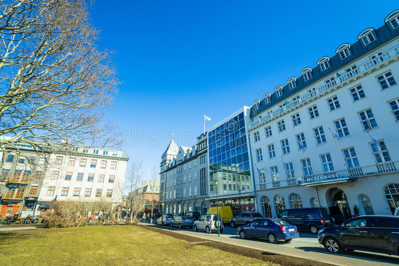 Hotels bij hoofdvierkant in Reykjavik stock foto