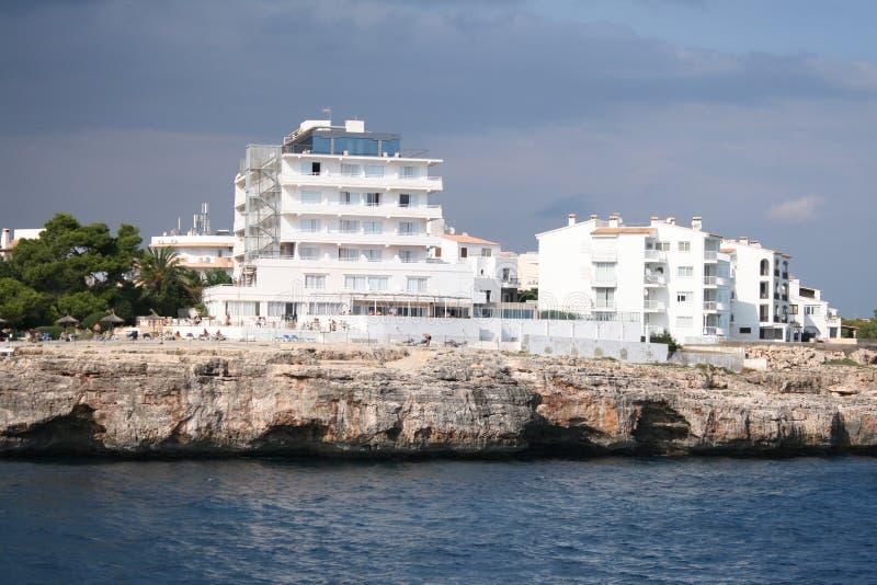 Hotels dichtbij het overzees stock fotografie