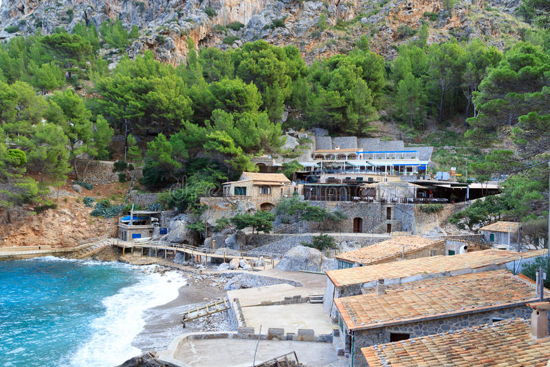 Hotels en Restaurants in Port DE Sa Calobra, Majorca royalty-vrije stock afbeeldingen