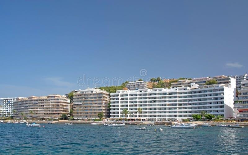 Hotels op een rij dichtbij Peguera royalty-vrije stock fotografie