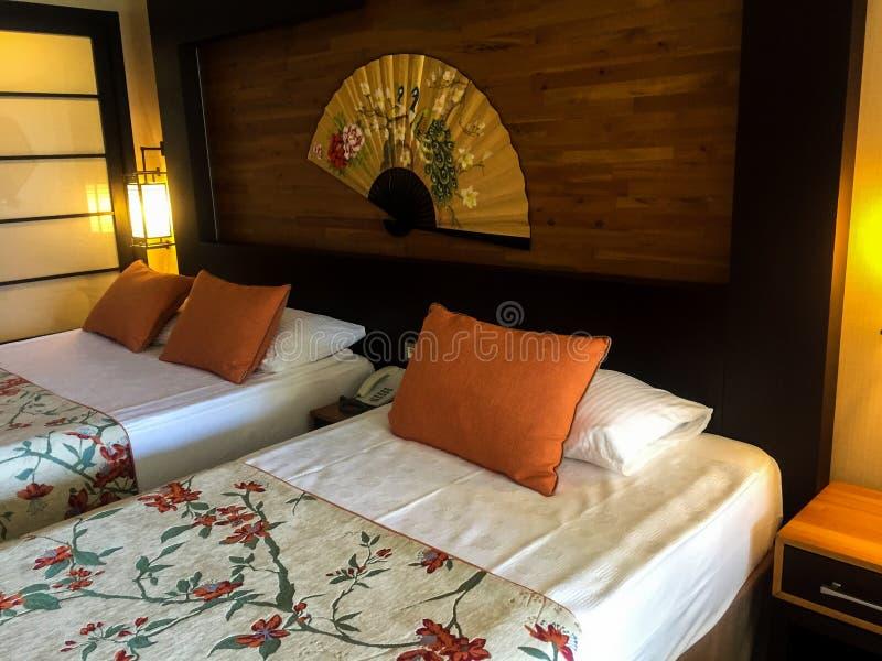 Hotelslaapkamer royalty-vrije stock foto's