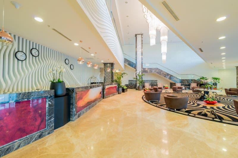 Hotelu lobby z nowożytnym projektem obraz stock